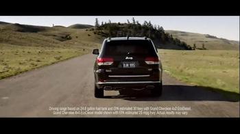 2016 Jeep Grand Cherokee TV Spot, 'Miles' - Thumbnail 9