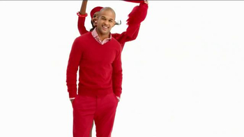 Macy's Go Red Sale TV Spot, 'Magic of Giving' - Thumbnail 2
