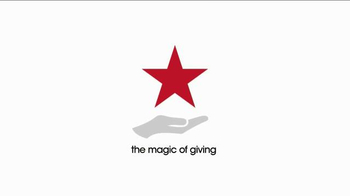 Macy's Go Red Sale TV Spot, 'Magic of Giving' - Thumbnail 8