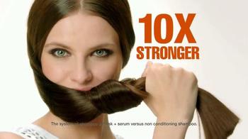 Garnier Fructis Grow Strong TV Spot, 'Stronger Hair' Song by Goldfrapp - Thumbnail 8