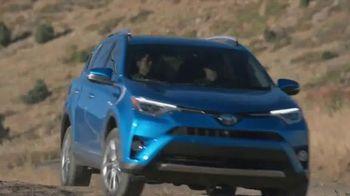 2016 Toyota RAV4 Hybrid TV Spot, 'Rise Up' Ft. Kwang-soo Lee - Thumbnail 2