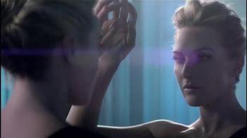 Lancôme Visionnaire Nuit TV Spot, 'Nourishing' Featuring Kate Winslet - Thumbnail 5