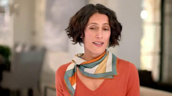 Gold Bond Ultimate Neck & Chest Firming Cream TV Spot, 'Scarf' - Thumbnail 1