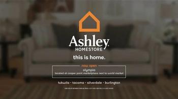 Ashley Homestore Presidents' Day Mattress Sale TV Spot, 'Shop Huge Savings' - Thumbnail 8
