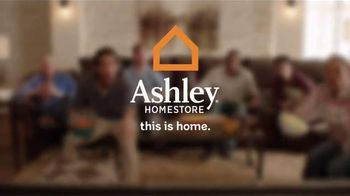 Ashley Homestore Presidents' Day Sale TV Spot, 'Queen Bed and Sofa' - Thumbnail 9