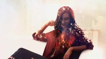 Glade TV Spot, 'Feel Warm Inside: Big, Beautiful Candle' - Thumbnail 6