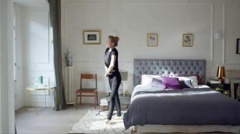 Woolite Darks TV Spot, 'Love for Dark Clothes' - Thumbnail 7
