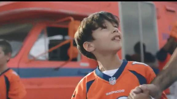 NFL TV Spot, 'Nos une' [Spanish] - Thumbnail 5