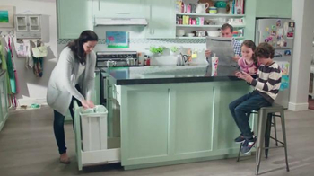 Febreze TV Spot, \'Does Your Kitchen Smell?\'