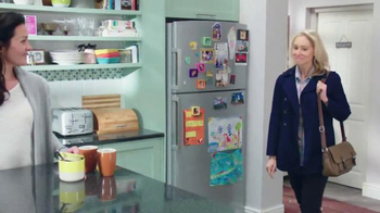 Febreze TV Spot, 'Does Your Kitchen Smell?' - Thumbnail 5