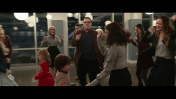 XFINITY On Demand TV Spot, 'Love the Coopers' - Thumbnail 7