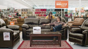 Big Lots Presidents' Day Event TV Spot, 'Dancing Family' - Thumbnail 2