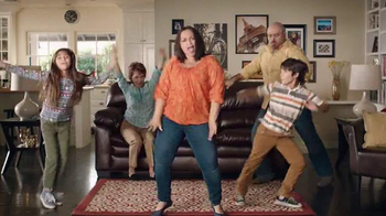 Big Lots El Evento de Presidents' Day TV Spot, 'Famila que baila' [Spanish] - Thumbnail 4