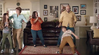 Big Lots El Evento de Presidents' Day TV Spot, 'Famila que baila' [Spanish] - Thumbnail 5