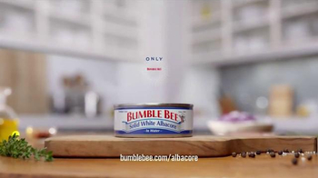 Bumble Bee Solid White Albacore TV Spot, 'Only Bumble Bee Albacore Will Do' - Thumbnail 6