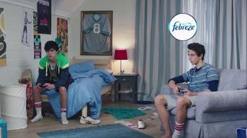 Febreze Super Bowl 2016 TV Spot, 'Does Your Bedroom Smell?' - Thumbnail 1