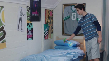 Febreze Super Bowl 2016 TV Spot, 'Does Your Bedroom Smell?' - Thumbnail 7