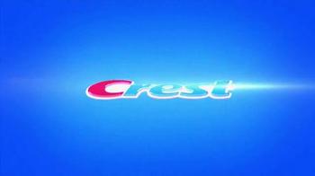 Crest 3D White Radiant Mint TV Spot, 'Juego de Poker' [Spanish] - Thumbnail 1