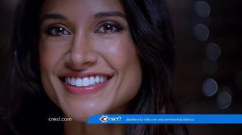 Crest 3D White Radiant Mint TV Spot, 'Juego de Poker' [Spanish] - Thumbnail 8