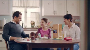 McDonald's All Day Breakfast TV Spot, 'Vuelo demorado' [Spanish]