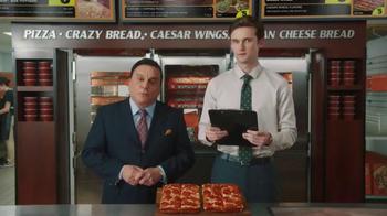 Little Caesars Pizza TV Spot, 'El chivo expiatorio corporativo' [Spanish] - Thumbnail 3
