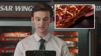 Little Caesars Pizza TV Spot, 'El chivo expiatorio corporativo' [Spanish] - Thumbnail 6