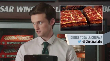 Little Caesars Pizza TV Spot, 'El chivo expiatorio corporativo' [Spanish] - Thumbnail 7