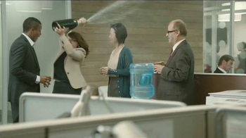 Beautyrest Hybrid Lines TV Spot, 'Look Out World: Champagne'