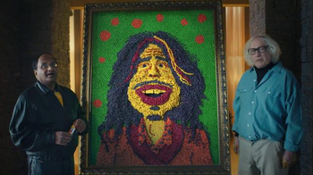 Skittles Super Bowl 2016 TV Spot, 'The Portrait' Featuring Steven Tyler - Thumbnail 5