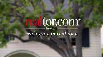 Realtor.com App TV Spot, 'All Things Real Estate' Featuring Elizabeth Banks - Thumbnail 1
