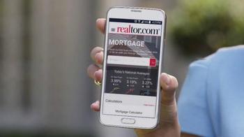 Realtor.com App TV Spot, 'All Things Real Estate' Featuring Elizabeth Banks - Thumbnail 5
