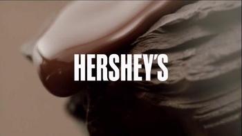 Hershey's Caramels TV Spot, 'Hello Happy' - Thumbnail 3