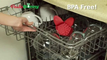 Pasta Bunny TV Spot, 'Clip and Strain' - Thumbnail 5