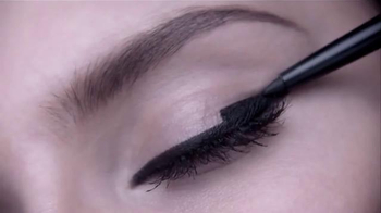L'Oreal Paris Infallible Matte-Matic TV Spot, 'Captivating' - Thumbnail 1