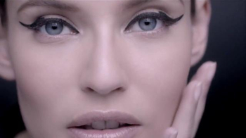 L'Oreal Paris Infallible Matte-Matic TV Spot, 'Captivating' - Thumbnail 8