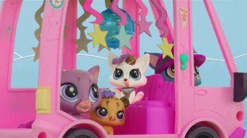 Littlest Pet Shop LPS Shuttle Playset TV Spot, 'Can't Stop the Cute' - Thumbnail 4