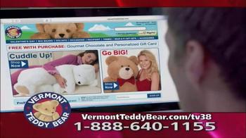 Vermont Teddy Bear Lovey Buddy TV Spot, 'Snuggle Up' - Thumbnail 4