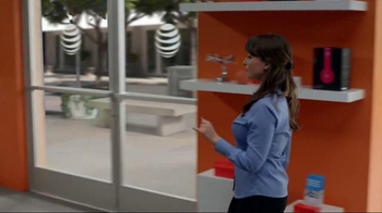AT&T Unlimited Plan TV Spot, 'Instant Crowd' - Thumbnail 3
