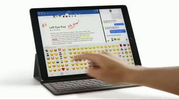 Apple iPad Pro TV Spot, 'Don't Hunt for Wi-Fi' - Thumbnail 6