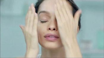 L'Oreal Paris Hydra Genius Daily Liquid Care TV Spot, 'What a Night' - Thumbnail 4
