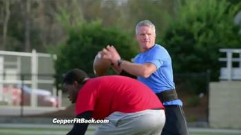 Copper Fit Back Pro TV Spot, 'Soporte lumbar' con Brett Favre [Spanish] - Thumbnail 5