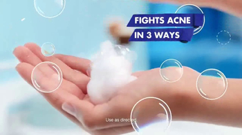 Clean & Clear Acne Triple Clear Bubble Foam Cleanser TV Spot, 'Three Ways' - Thumbnail 5