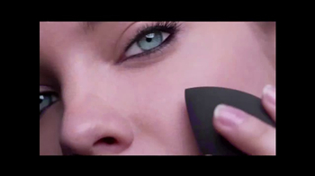 L'Oreal Infallible Total Cover TV Spot, 'Forever' - Thumbnail 5
