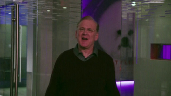 Microsoft Surface TV Spot, 'ABC: Black-ish' - Thumbnail 5