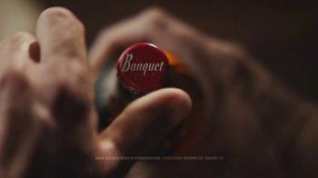 Coors Banquet TV Spot, 'Apretón de mano' [Spanish] - Thumbnail 3