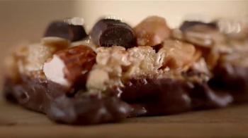 Nature Valley Sweet & Salty Nut Granola Bars TV Spot, 'Meadow' - Thumbnail 6