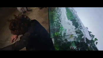Wix.com TV Spot, 'Chez Felix: pelea' con Jason Statham, Gal Gadot [Spanish] - Thumbnail 6