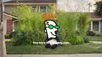 GoDaddy Super Bowl 2017 Teaser, 'Sneezing Panda' - Thumbnail 5