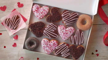 Dunkin' Donuts Heart-Shaped Donuts TV Spot, 'Spread Some Sweetness' - Thumbnail 6