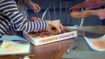 Dunkin' Donuts Heart-Shaped Donuts TV Spot, 'Spread Some Sweetness' - Thumbnail 9